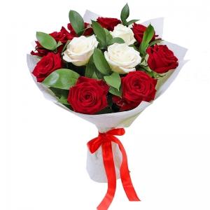 Meilės žiedai - Gėlių pristatymas į namus Utenoje