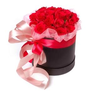 Romantika gelių dėžutė - Gėlių pristatymas į namus Marijampolėje