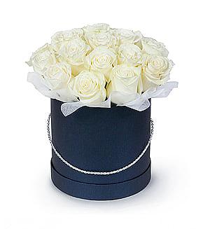 Rožės mėlynoje dėžutėje - Gėlių pristatymas į namus Marijampolėje
