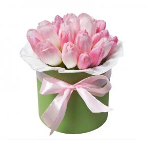 Rožinių tulpių dėžutė - Gėlių pristatymas į namus Vilniuje